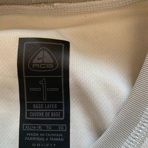 NEW NIKe women's dri-fit UV size XL never worn